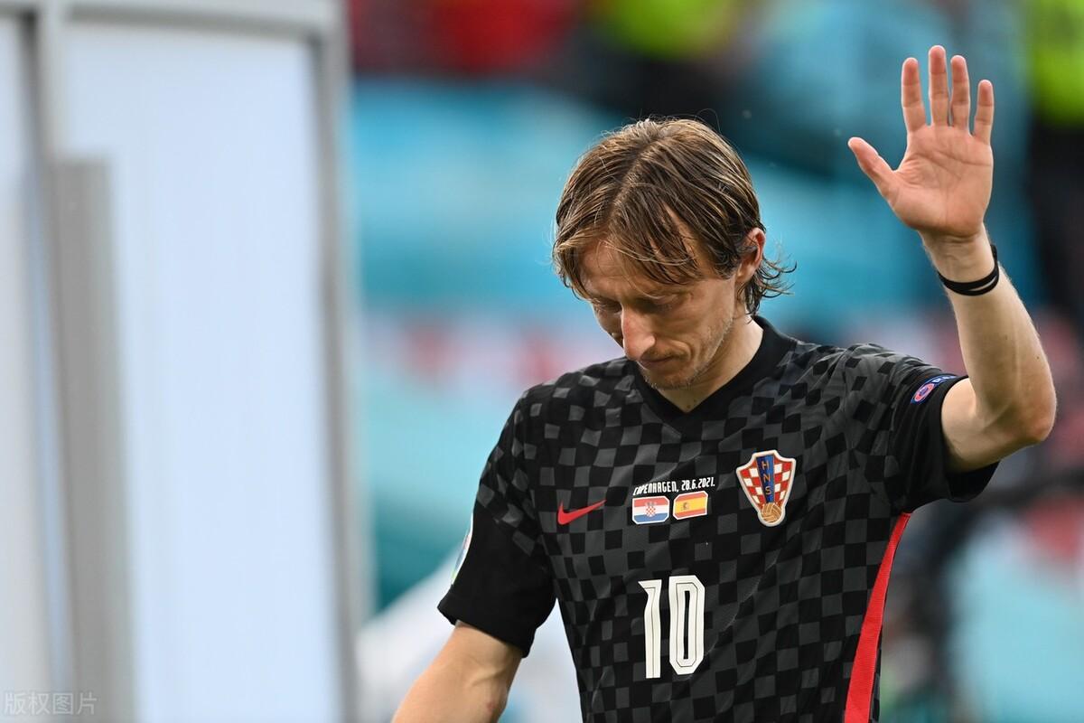 世界杯冠亚军欧洲杯同日出局,连场3-3八强已定六席