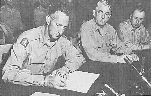 李承晚反对朝鲜停战,美军司令:让志愿军给南朝鲜一个教训