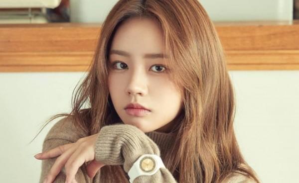 """一开始被网友们骂惨了,现在却直呼""""真香""""的3位韩国偶像明星"""