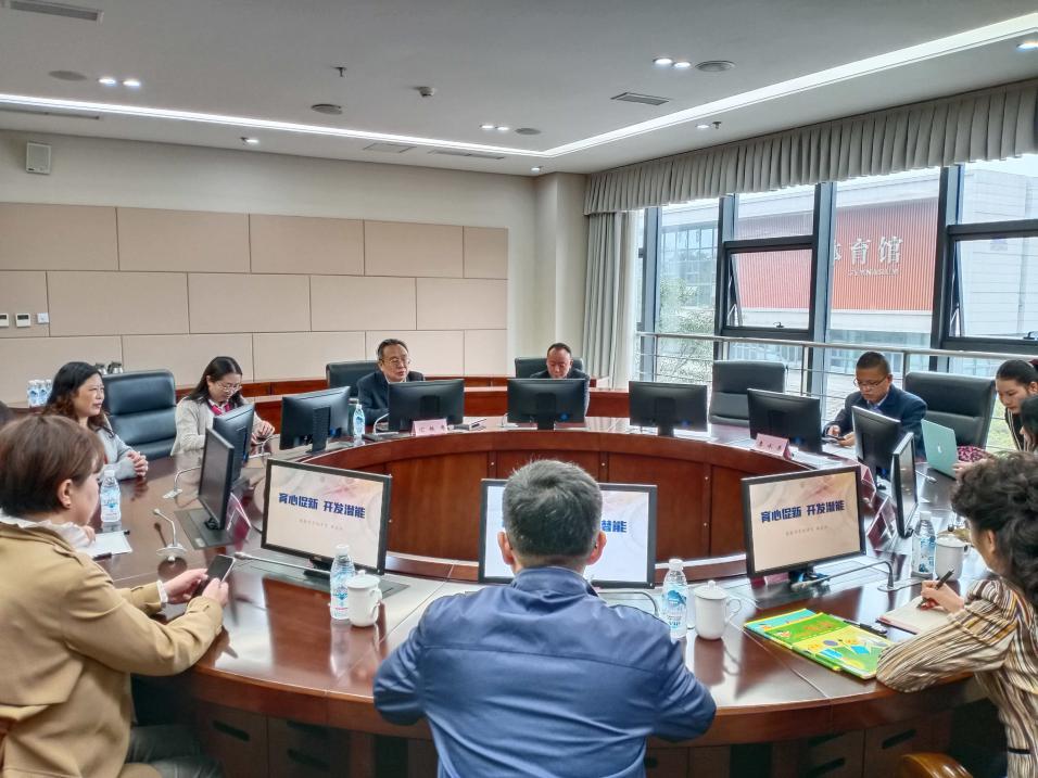 中国科协青少年中心领导来我校调研指导工作