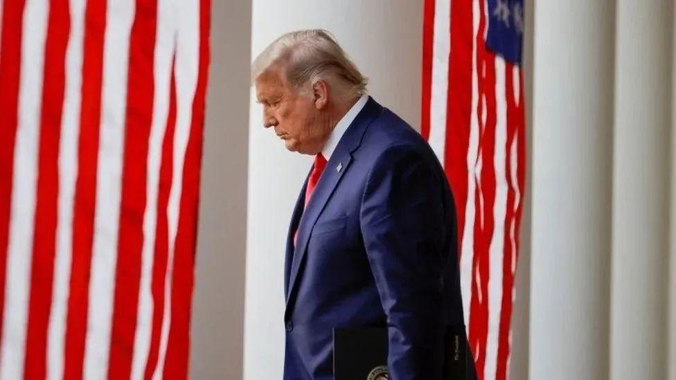 最后一天,特朗普还憋着一个大招!美国两党空前紧张