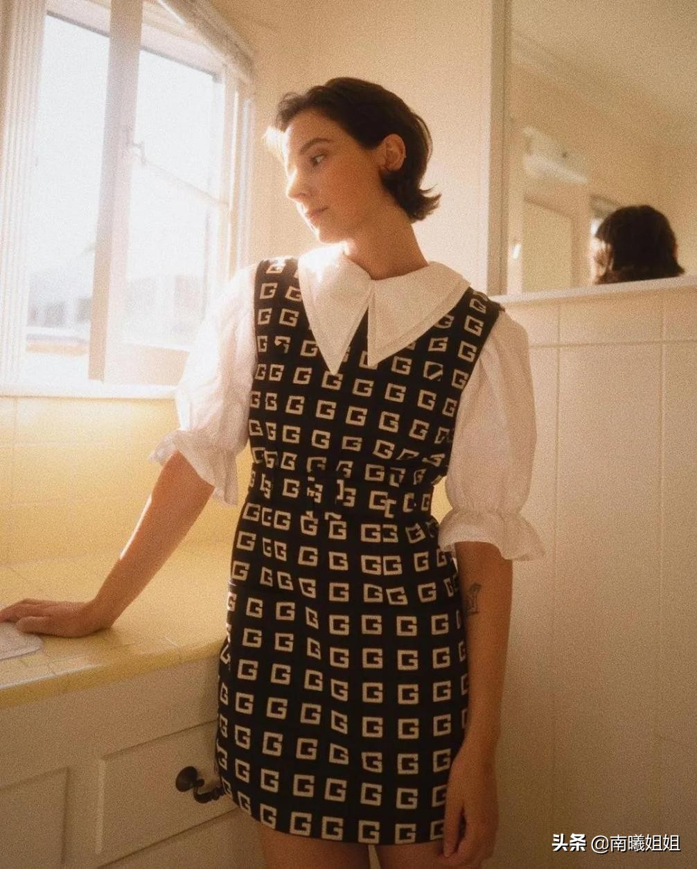 """这才是50岁女人该有的打扮,拒绝""""扮嫩"""",简单高级的气质才更美"""
