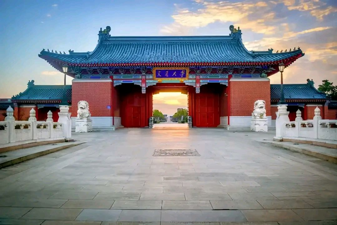 2021中国大学本科新生与毕业质量排行榜,前四是清华、上科大、北航、北大