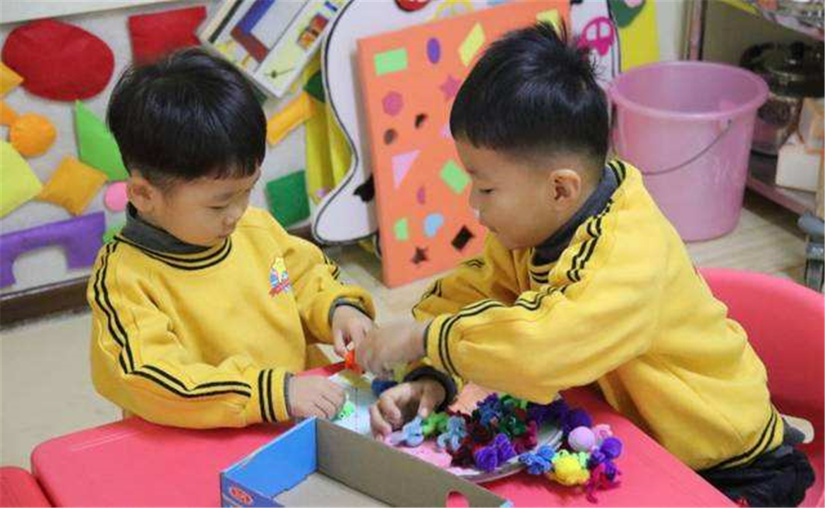 想让孩子情商高?家中常备这2种玩具,对培养情商有很大帮助