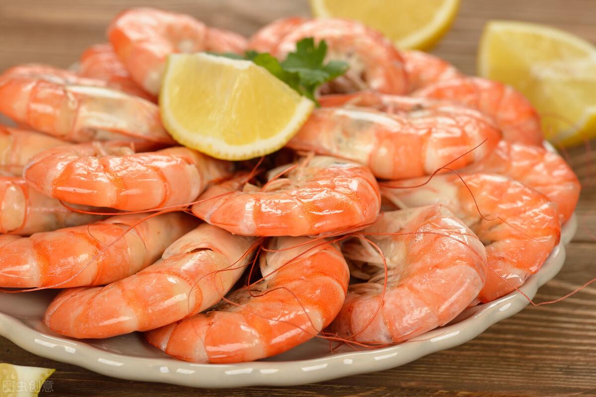 鲜虾,别再用水煮或上锅蒸了,沿海人民教你一招,大虾鲜味不流失 美食做法 第2张