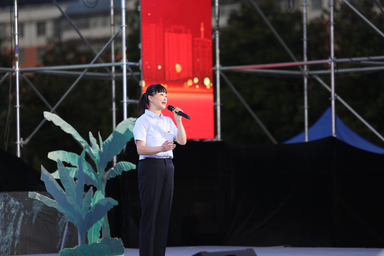 献礼党的百年华诞 汉调二黄大戏《红色娘子军》震撼上演