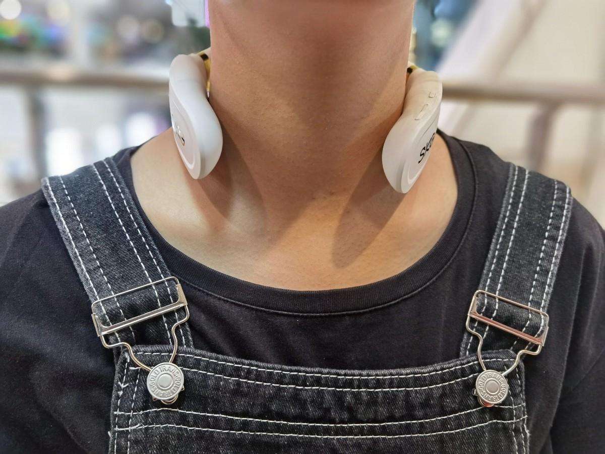 养生青年必备单品-华为智选SKG颈椎按摩仪
