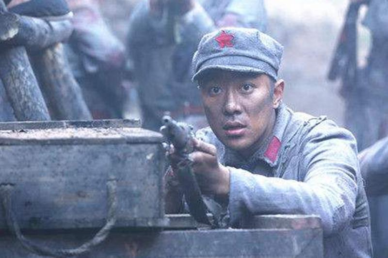 老红军负伤90多处,成为战斗英雄后却叛变革命,主席亲自下令枪决