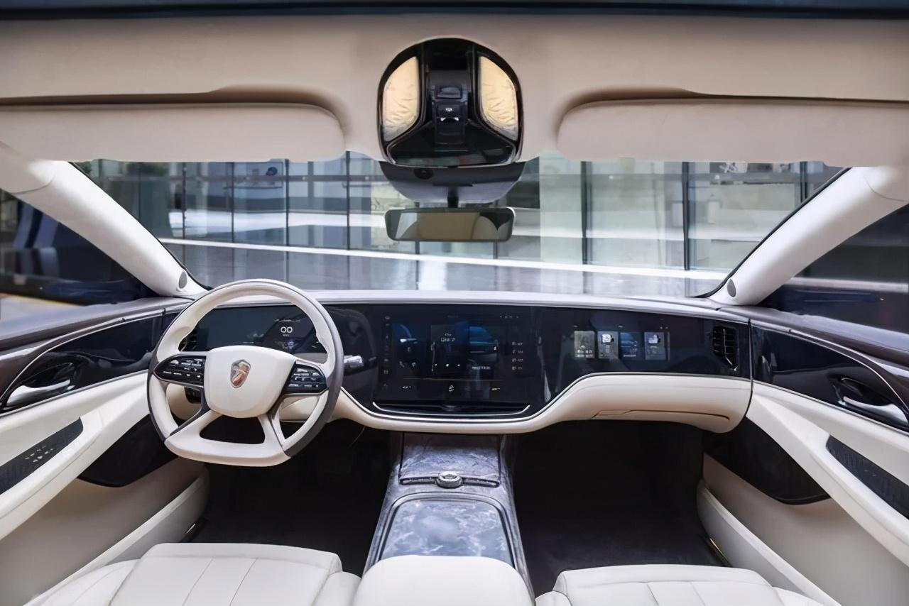 恒大联姻腾讯,为何每家汽车厂商都想开发自己的操作系统?