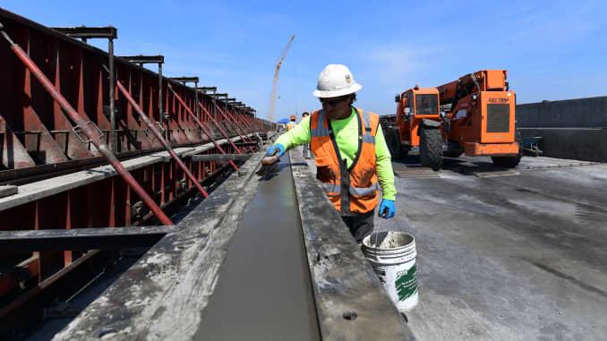 摩根士丹利表示,如何应对即将到来的基础设施超级周期?