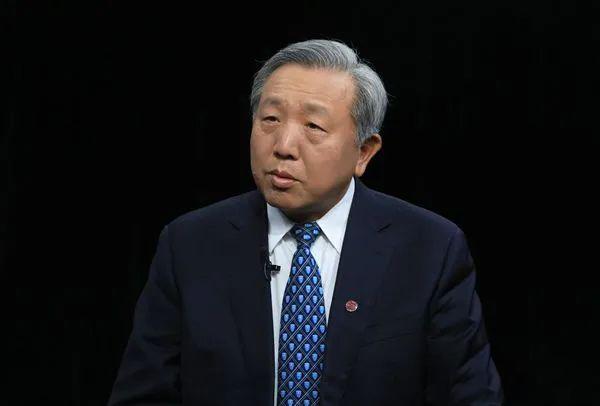 吴晓求:股票市场要解决企业成长性问题,不能一买就亏损