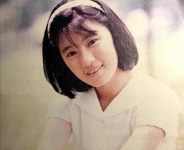 46岁贾静雯美丽依旧,放下爱恨与计较,如今的她活得令所有人羡慕