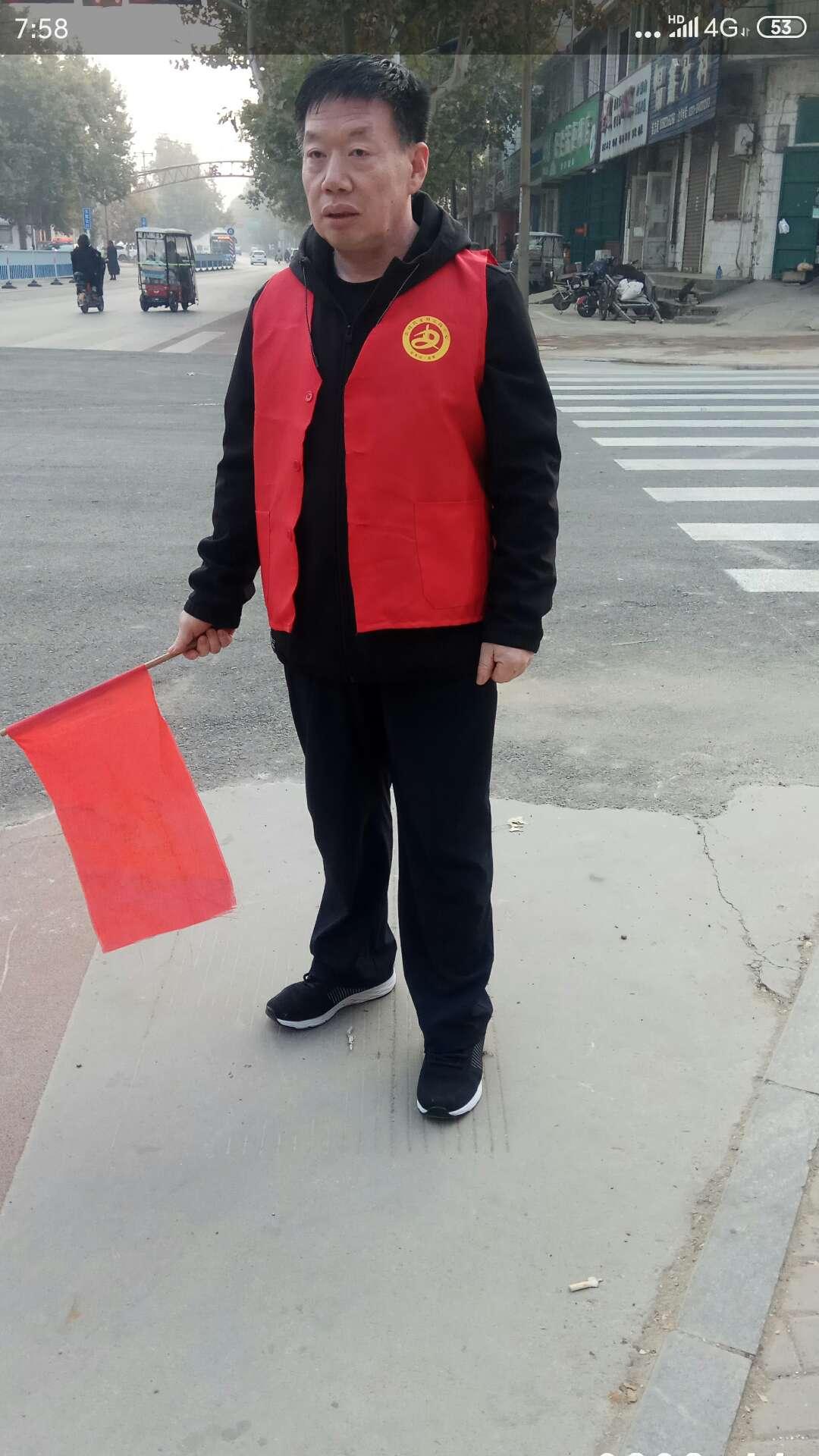 高邑县直各部门积极投入县城常态化管理,整顿交通秩序,美化净化县城