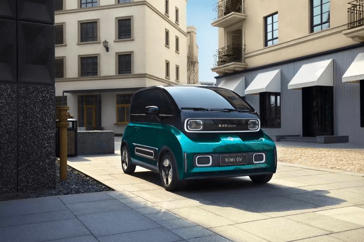 宝骏KiWi EV正式上市 售价区间6.98-7.88万元/续航里程305km