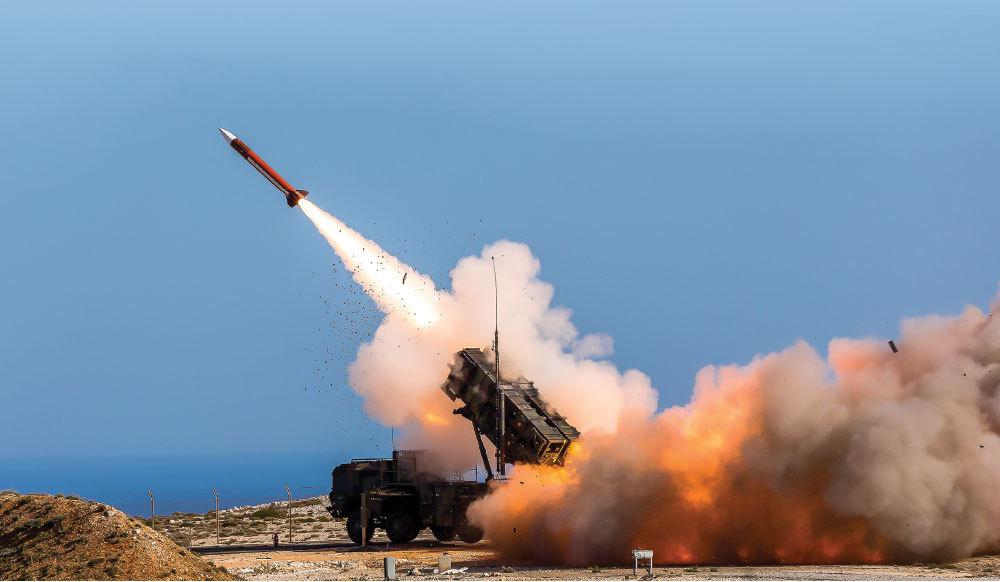 驻伊拉克大使馆拉响警报,防空系统紧急拦截火箭弹,美军碰到了硬茬