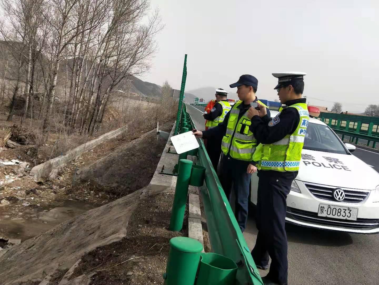 清明节初期,喀喇沁旅开展了道路交通安全隐患调查