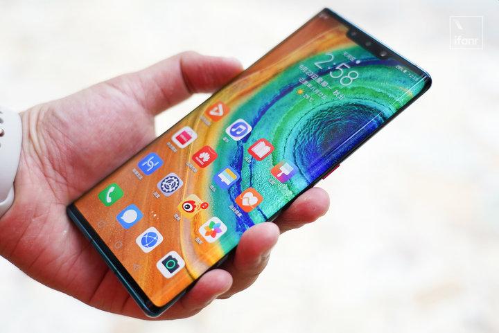 华为 Mate30 系列评测:超曲面环幕屏,展现未来手机交互