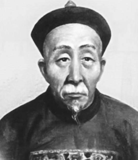 考古学家挖开了刘罗锅的墓地,开棺后大惊失色:野史不可信啊