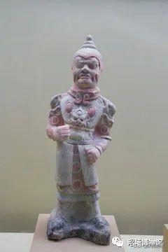 唐昭陵陪葬墓出土的胡人卷发俑