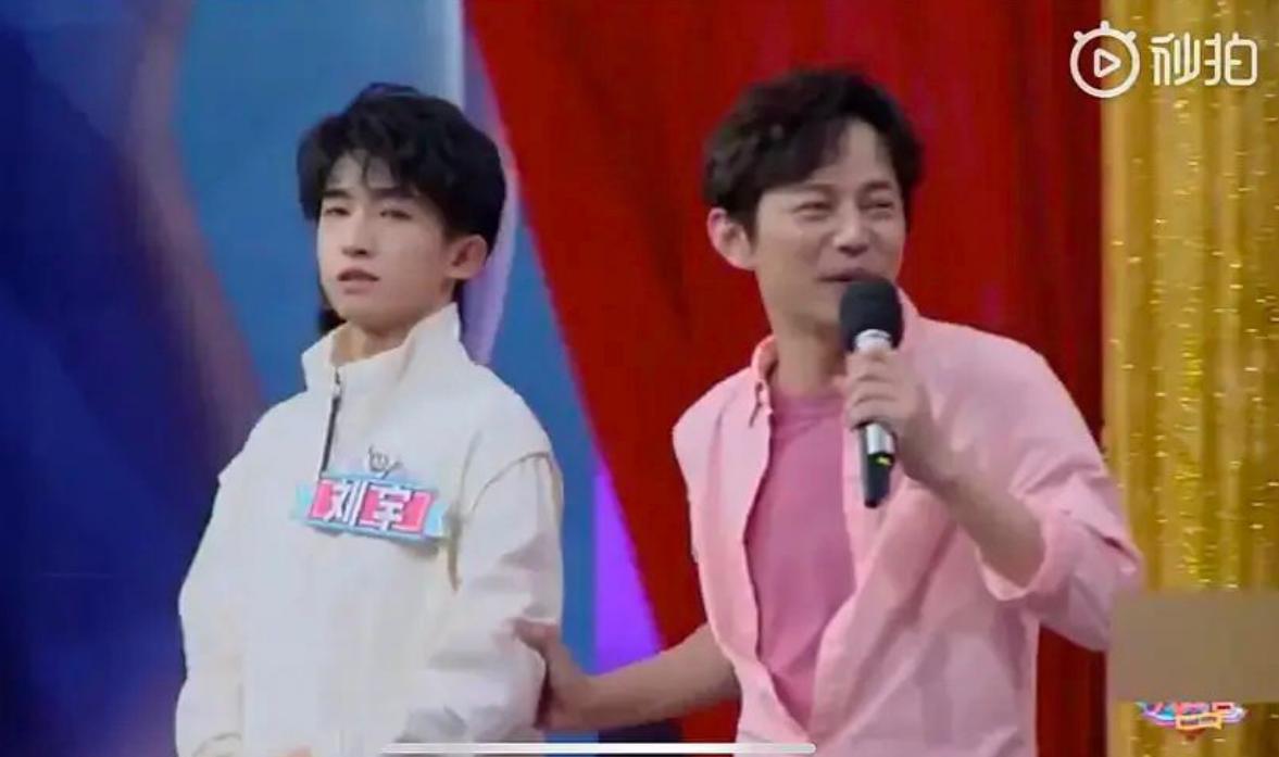 创4初舞台一战成名的刘宇,上过央视快本,还和青3的彦希拍过戏