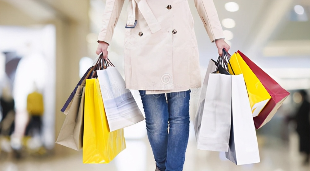 为什么服装行业暴利,但多数实体店开不下去?