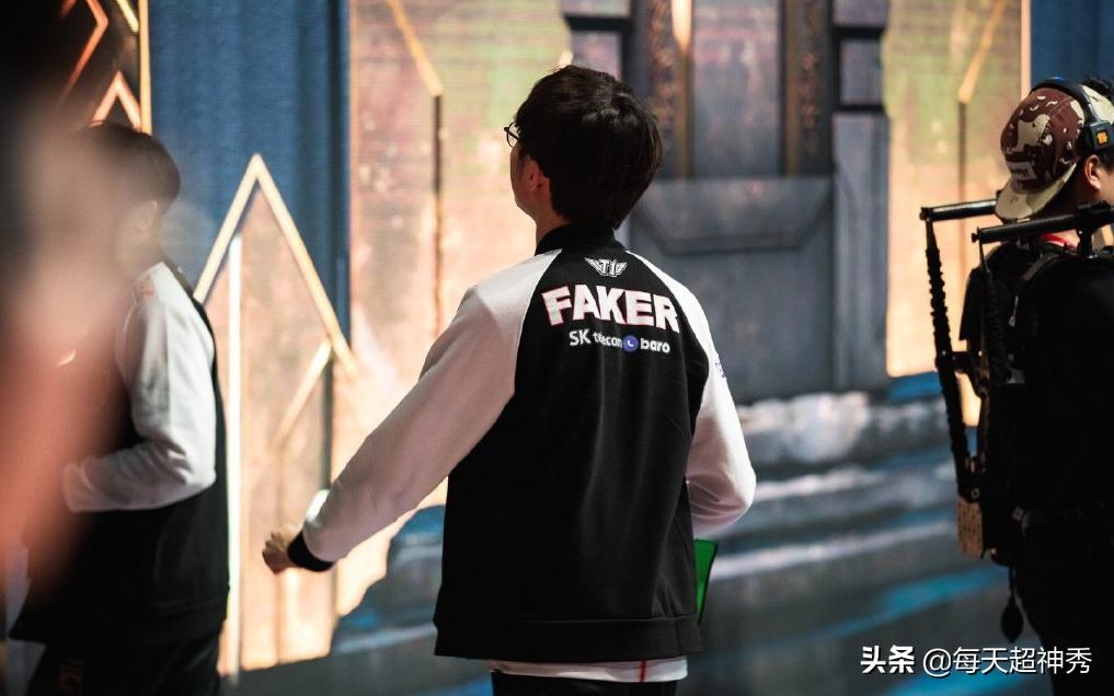 T1惜败AFS,Faker赛后做法惹热议,李哥不该被辜负