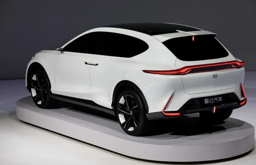 全球首发两款新车,有上汽和阿里加持,智己能否突破自己?