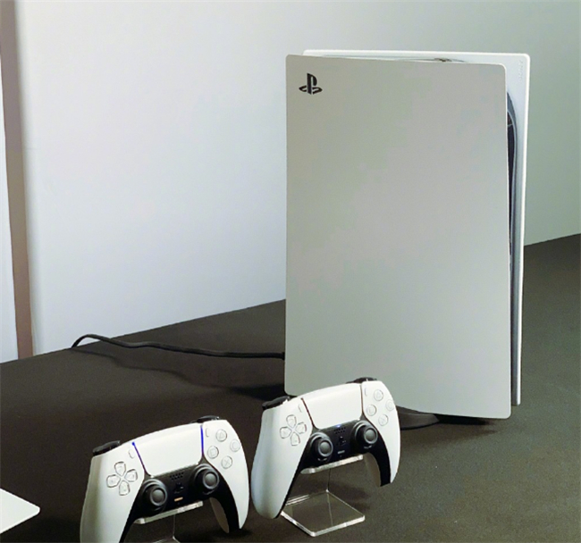 PS5发售身价过万,斗鱼女流第一时间试玩:手柄体验刷新认知