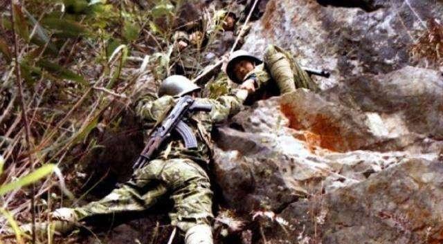 什么叫带杀气的眼神?战斗英雄杨启良毙敌18人后,留下这张照片