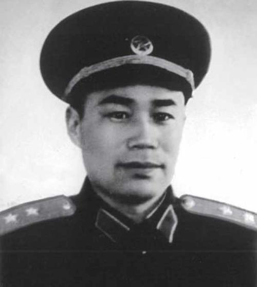 王近山离婚记:开国功臣爱上小姨妹,事情竟闹到了毛主席耳朵里
