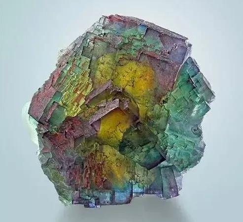 这种彩虹石头美到令人无法呼吸