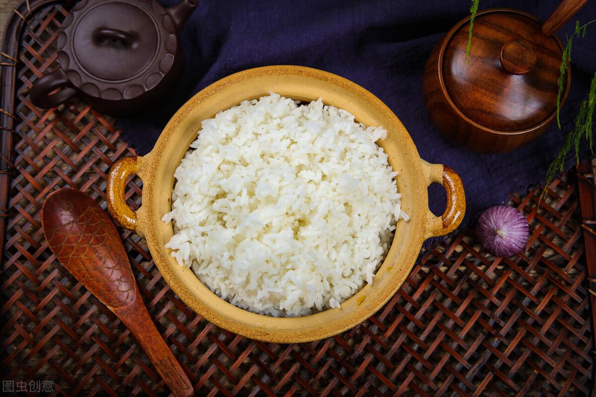煮米飯,不要只會用清水,再加這2樣,米飯粒粒分明,香噴噴的