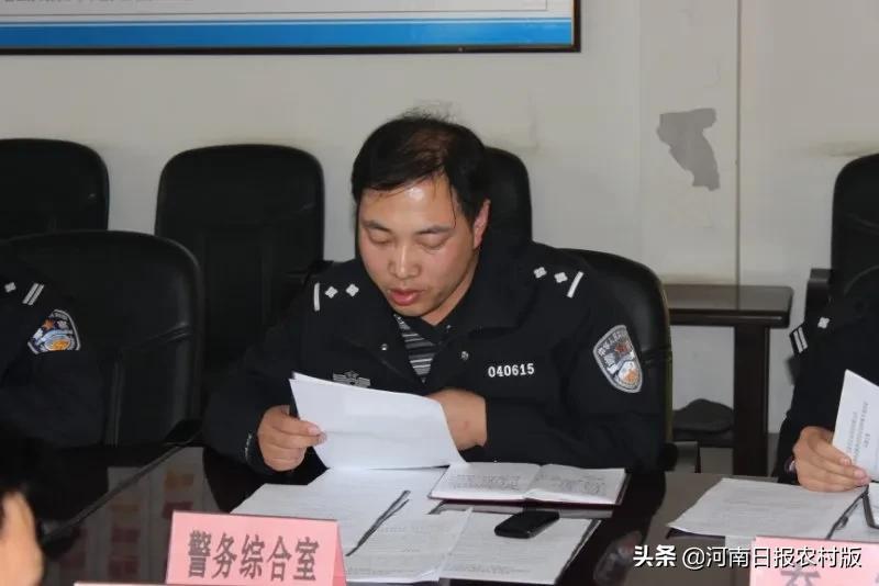 安阳市公安局龙安分局办公室主任王振波,忠诚刻心上,警徽照人生,他用奉献和坚守让青春在打拼中闪光