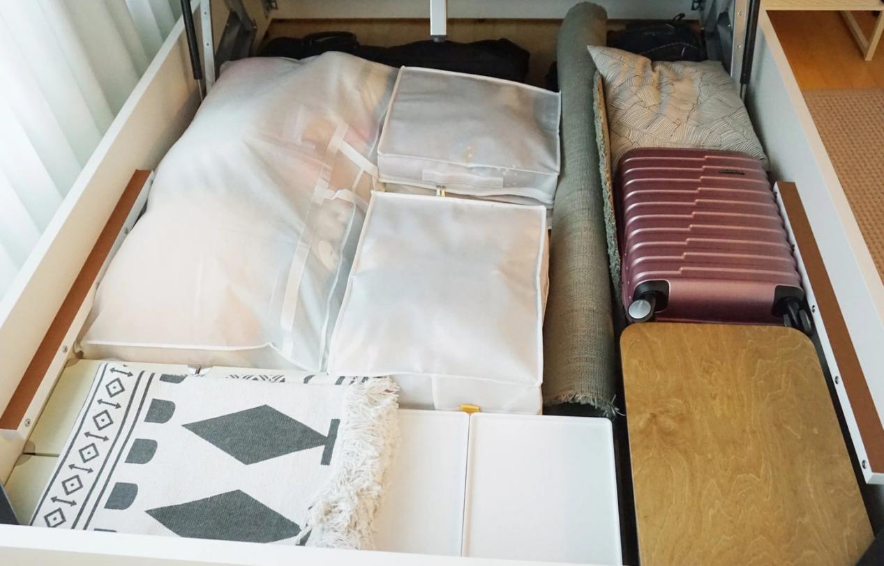 韩国夫妻的家,把阳台的门换了,儿童房不要床,这样装修真有远见