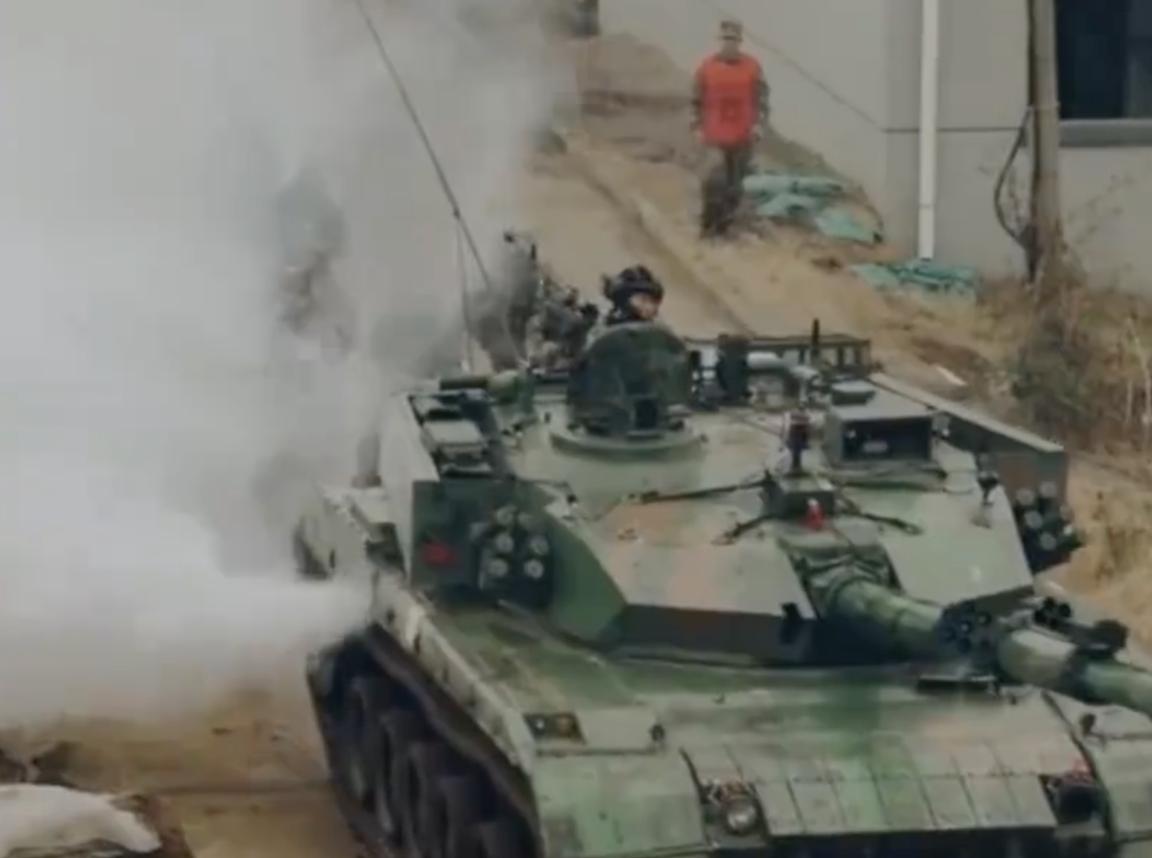 夺岛之后再打巷战,东部战区96A坦克城市攻防首次公开,专家:做好最坏打算