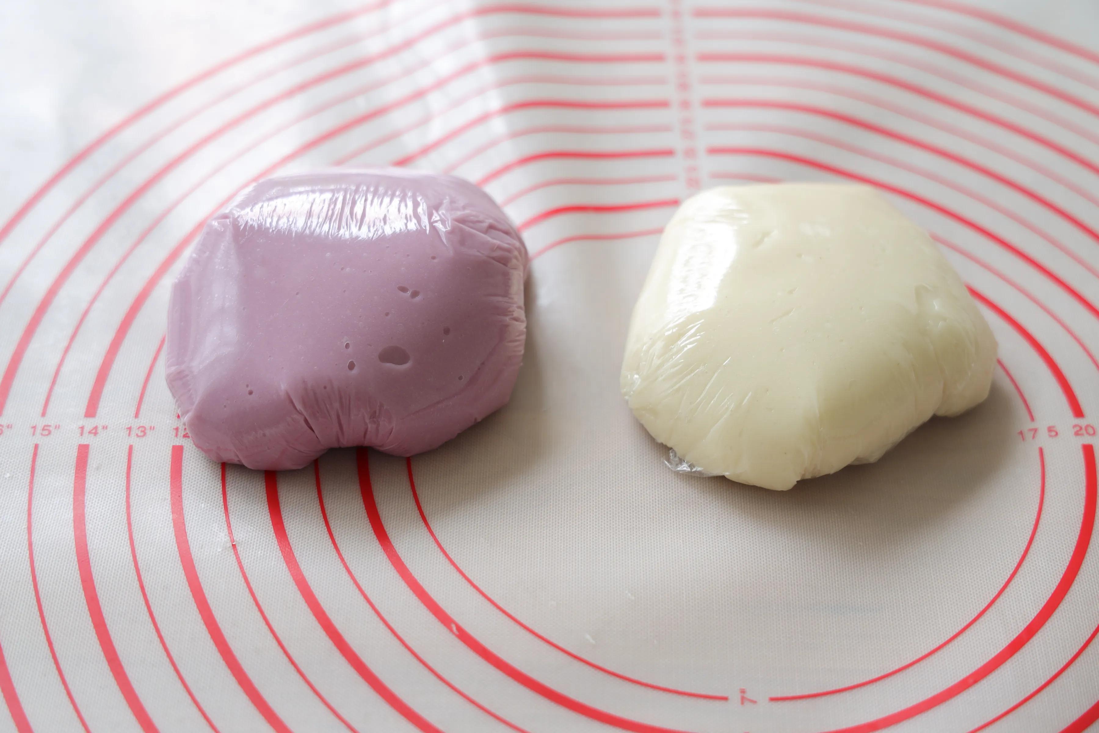 糯唧唧的芋泥凉糕,软糯香甜,咬一口还爆浆,太适合夏天了