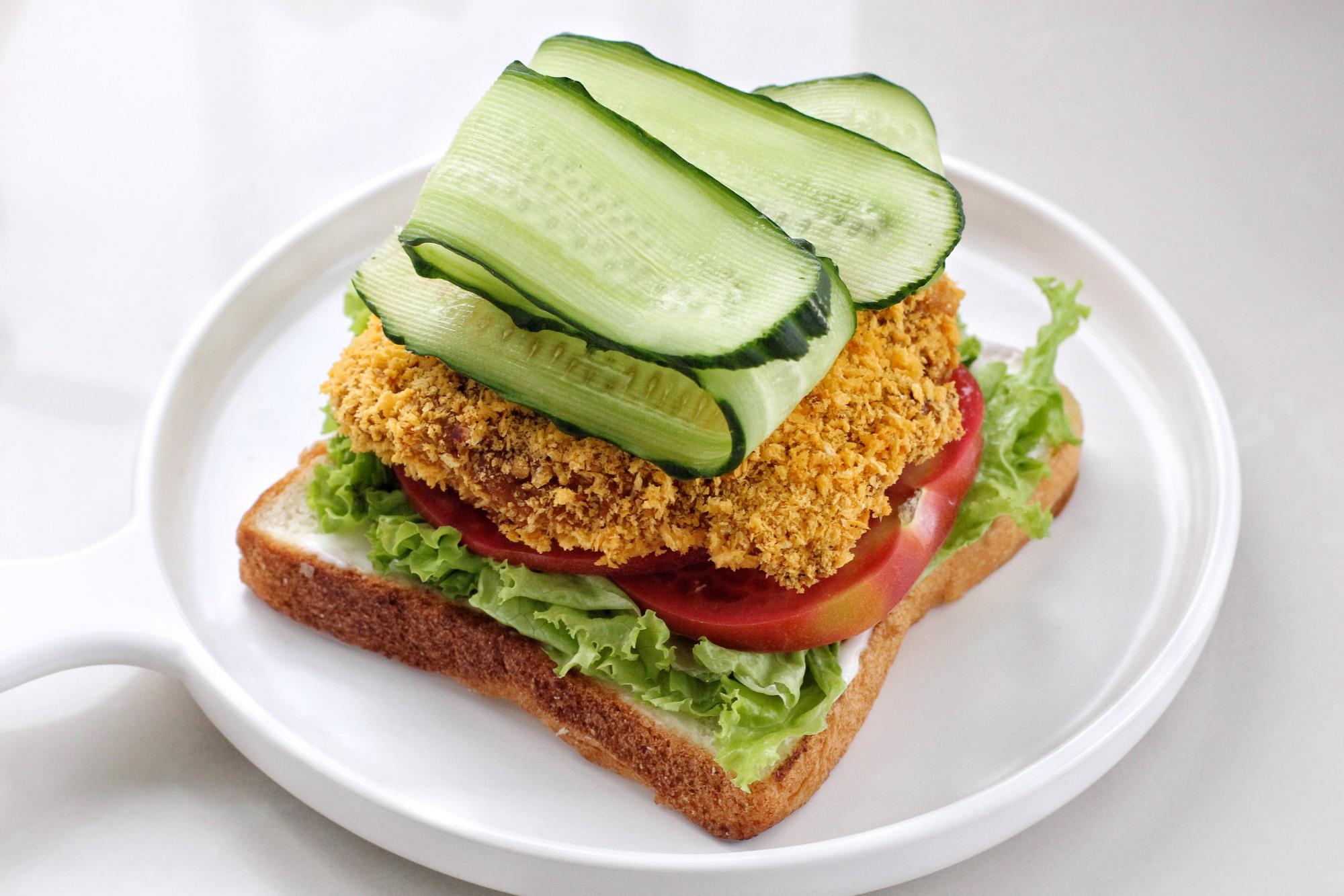 自制无油爆浆鸡排三明治,干净卫生比外卖健康,少花钱吃得还过瘾 美食做法 第13张