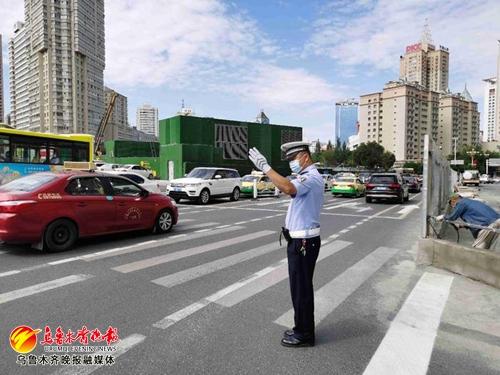 乌鲁木齐北门路口三车道封闭施工,早高峰周边三路段车流压力增加