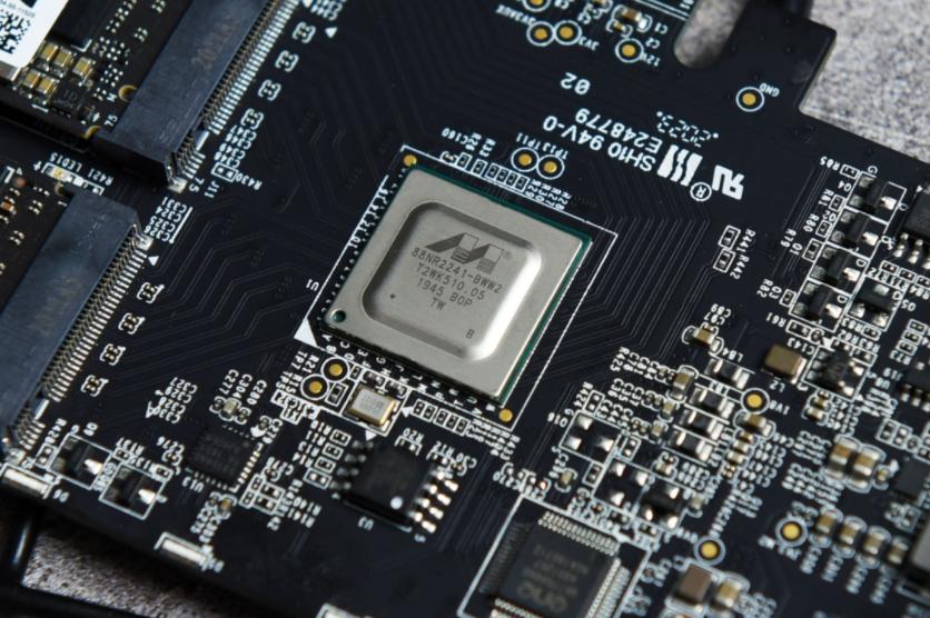 不换主板享受PCIe 4.0速度!看PCIe 3.0 AIC SSD如何实现6500MB/s