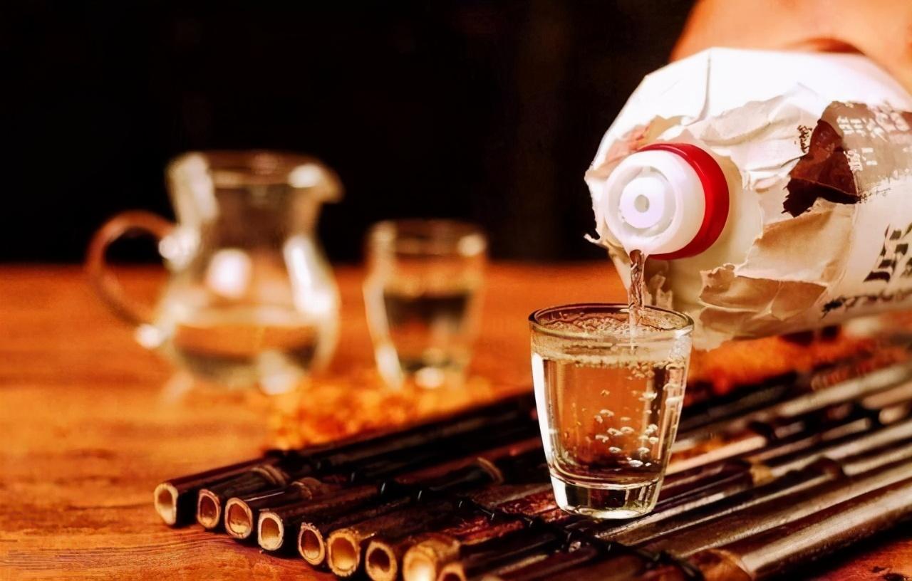 酒问|白酒多少度才可以点燃?能点燃的白酒就是好酒吗?