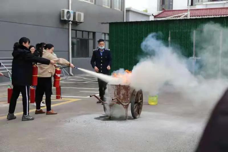 安全无小事,消防知识培训进行时
