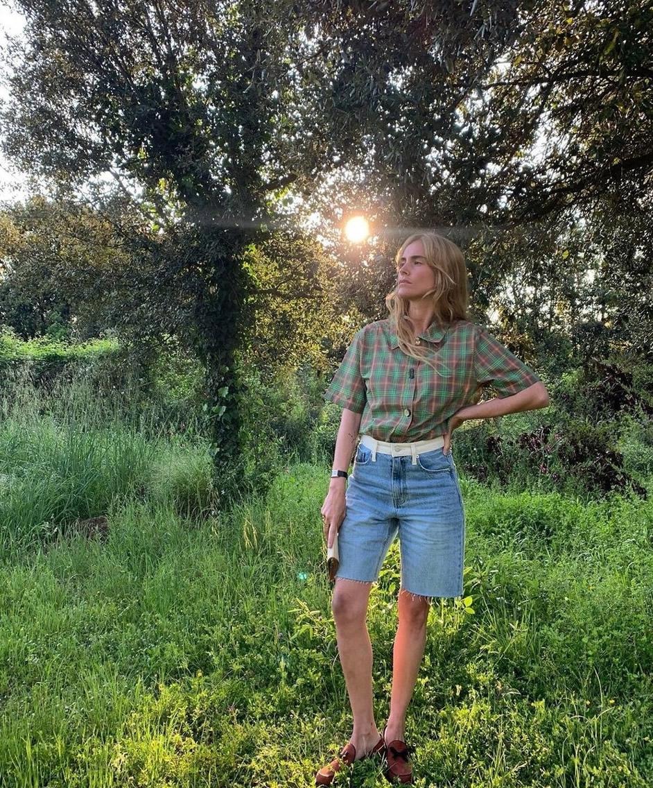 这条短裤很适合中年女人穿,时髦舒适显年轻,姚晨那英都喜欢