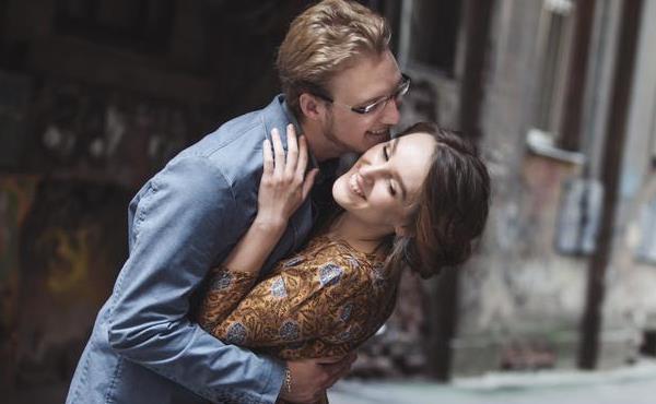 不管是夫妻还是情人,能够做到这五点的人,才是真心在乎你的人