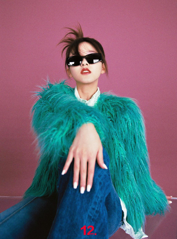赵露思拍时尚大片翻车,网友吐槽像80年代影楼风,原因有三点