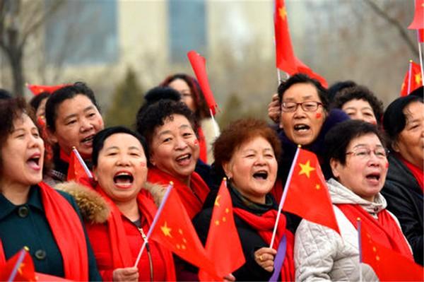 经济学家林采宜:把钱花光,为国争光,花钱就是最好的爱国方式