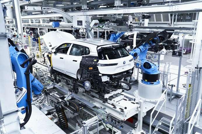 创新BMW iX已于德国丁格芬工厂正式投产 将于年内上市