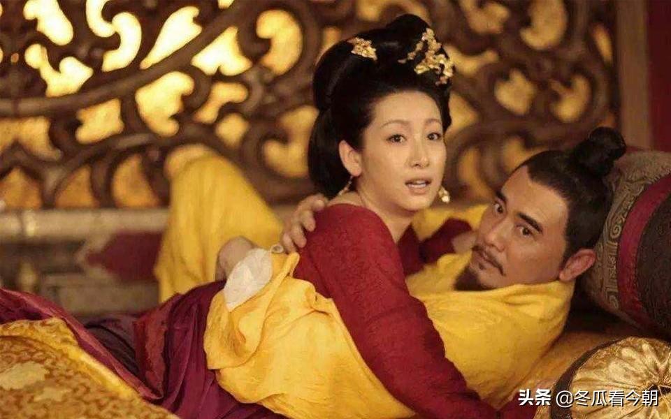 皇帝是故意不让妃子给皇子哺乳的,他也是不得已,你知道为什么吗