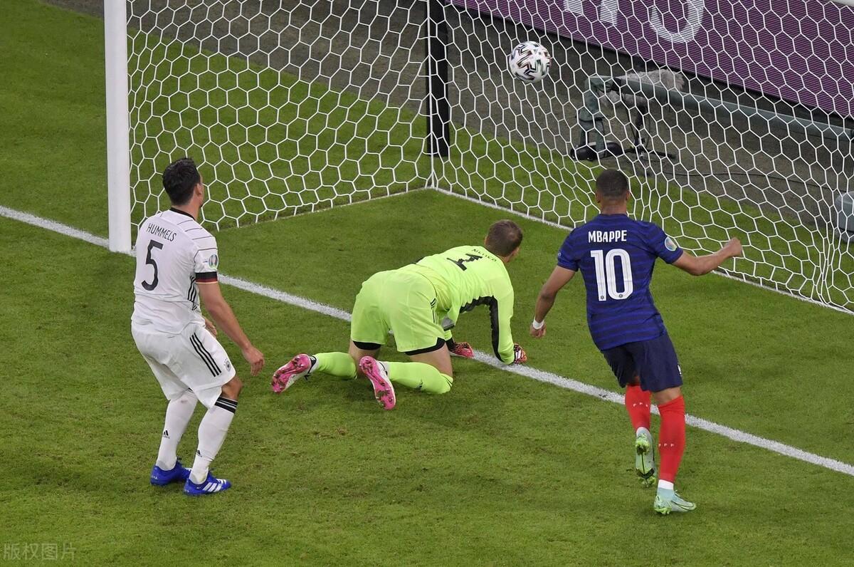 欧洲杯法国队凭借胡梅尔斯的乌龙球 1-0拿下德国 比赛