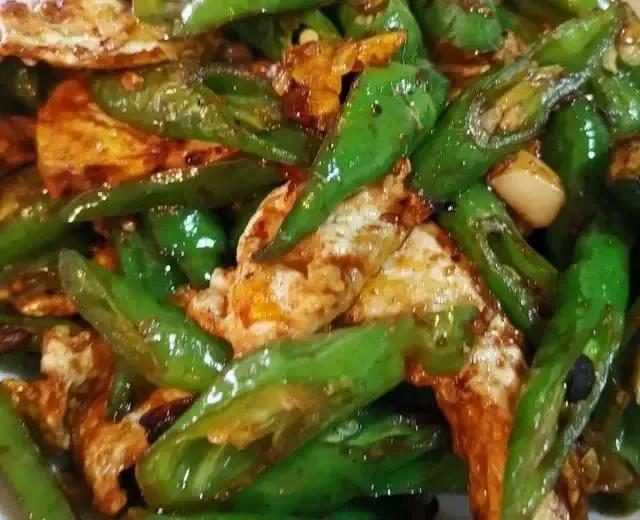 湖南椒荷包蛋的做法,咸香味美,开胃又下饭,吃起来真香 美食做法 第1张