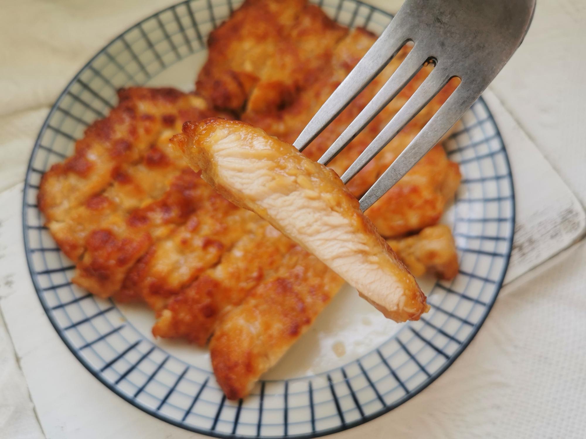 炸鸡排,别只知道裹面包糠,水嫩腌制配方分享给你,口感嫩而不柴